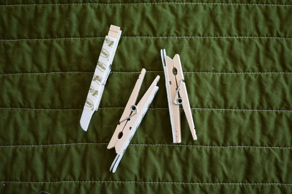 hang a quilt with clothespins