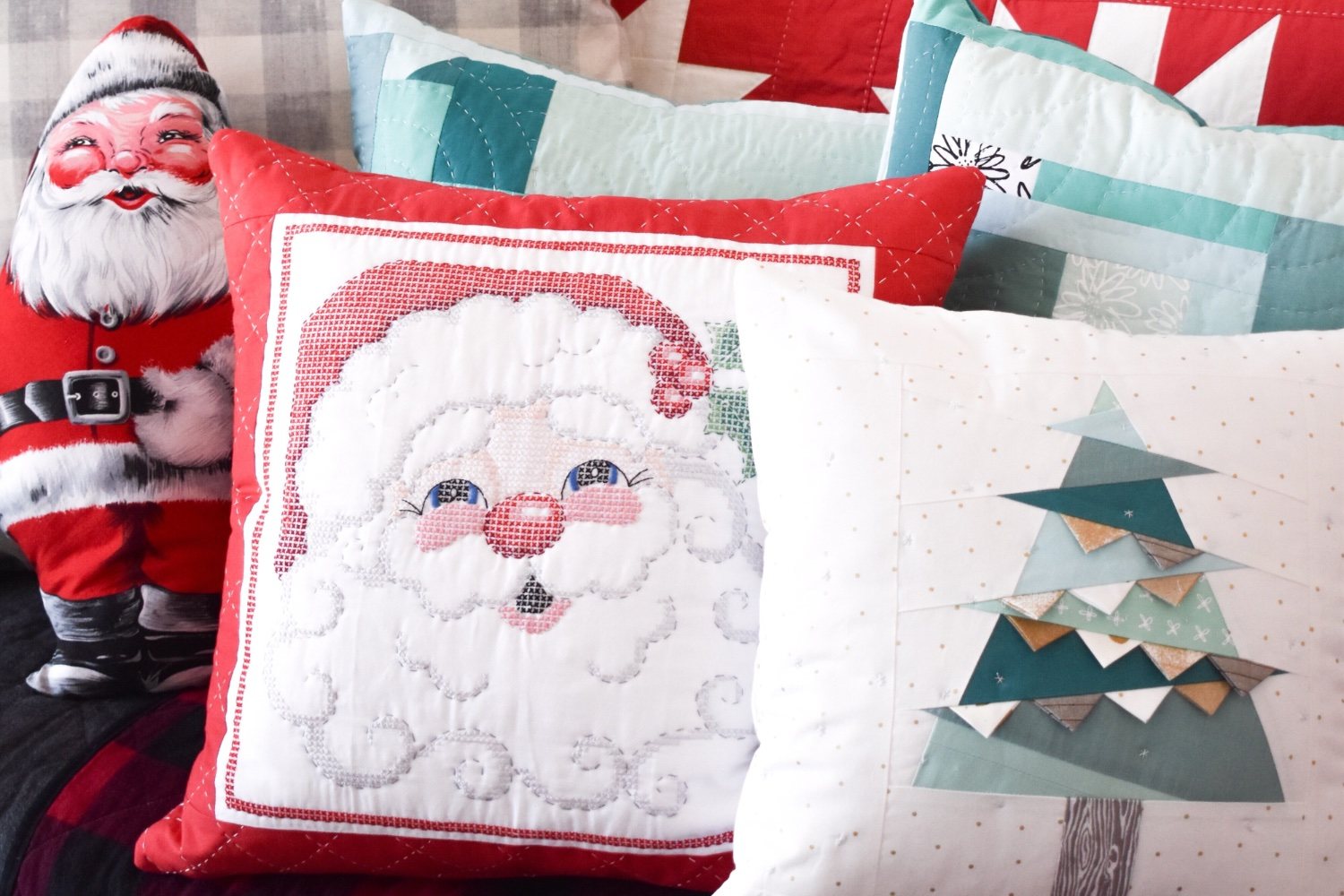 Holiday Throw Pillows | A Finished Project