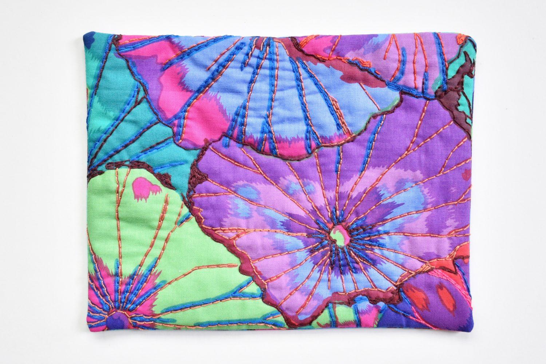 Bold floral hand quilted mug rug