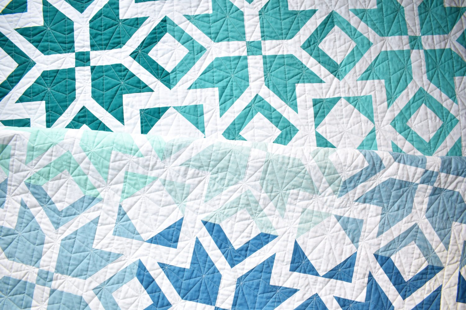 Nordic Star Ombre quilt detailed quilting design